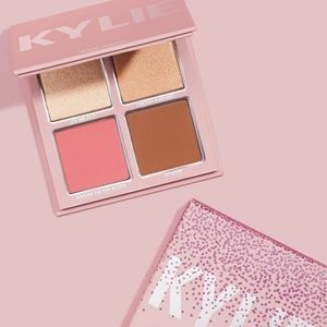🆕️BNIB🆕️ Kylie Cosmetics Holiday Face Palette